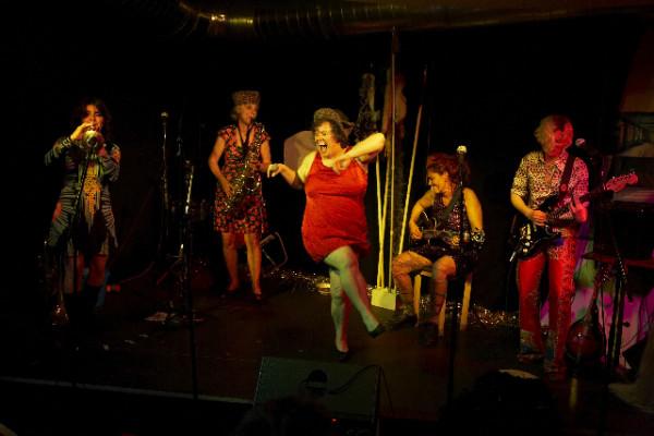 Vive les Reines Prochaines! Seit 25 Jahren laut, wild und voll feministisch. (Foto: Basil Stücheli)